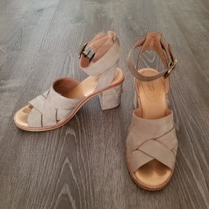 Ugg Taupe size 6 block heel